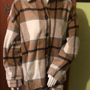NWOT SHEIN- drop shoulder curved hem plaid coat